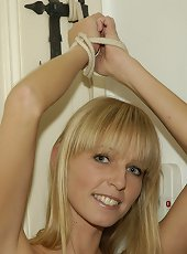 SexySettings Featured Free Bondage Gallery: Cute..